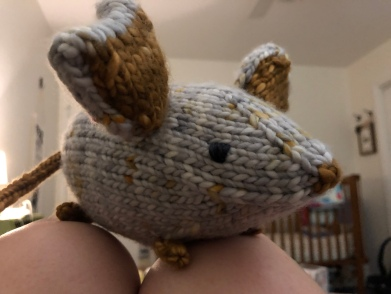 Knitted Mousie in Baah! Sequoia yarn in gray and gold